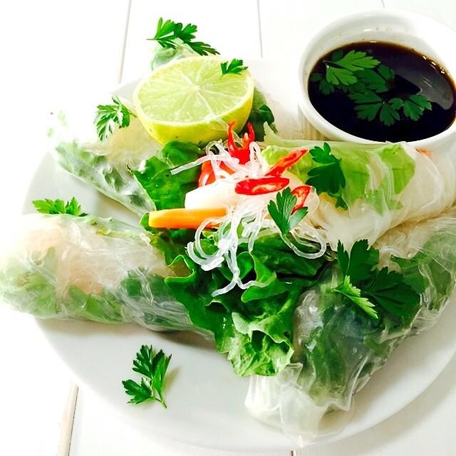 Tofu & Veg Rice Paper Rolls w. Sweet Tamari Dressing