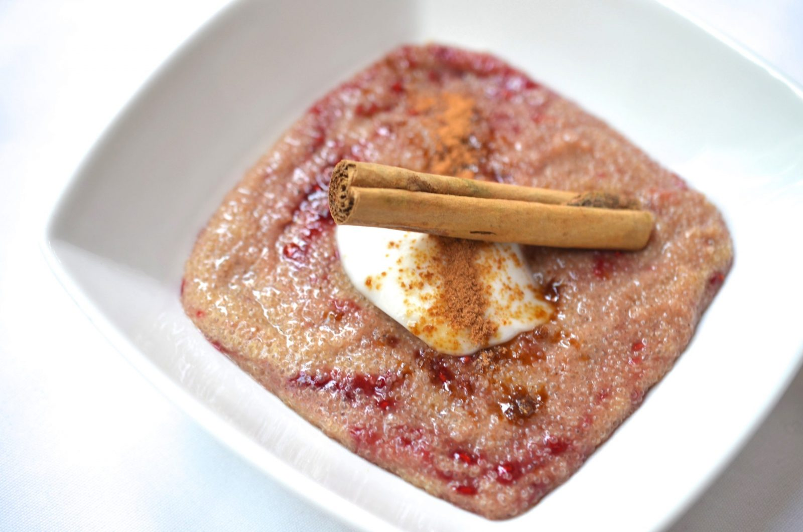 Spiced Amaranth Porridge w. Raspberry Compote