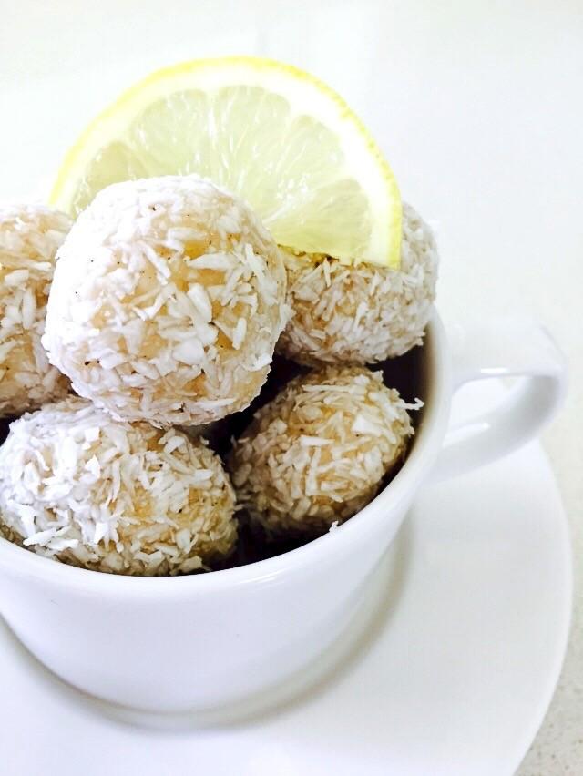 Lemon Vanilla Rafaellos
