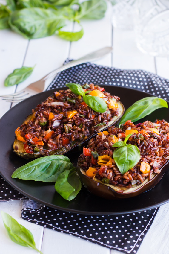 Stuffed eggplant with red rice and vegetables