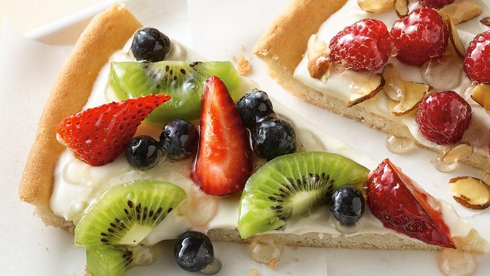 Gluten Free Breakfast Fruit Pizza